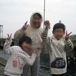 和歌山下津港へファミリーフィッシング アジは来ずもチヌは好調!!