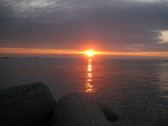 浦港の夜明け
