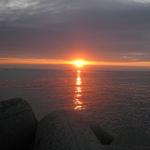 浦港の朝日