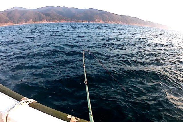 波風弱く釣り日和の由良沖