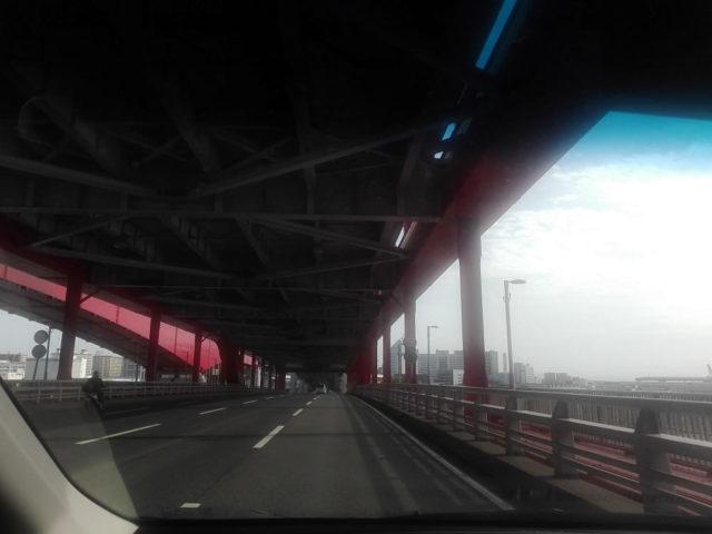 神戸大橋を渡ってポートアイランドへ