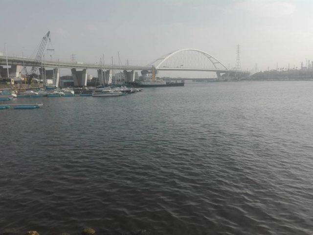 浜寺水路の北に位置する石津漁港