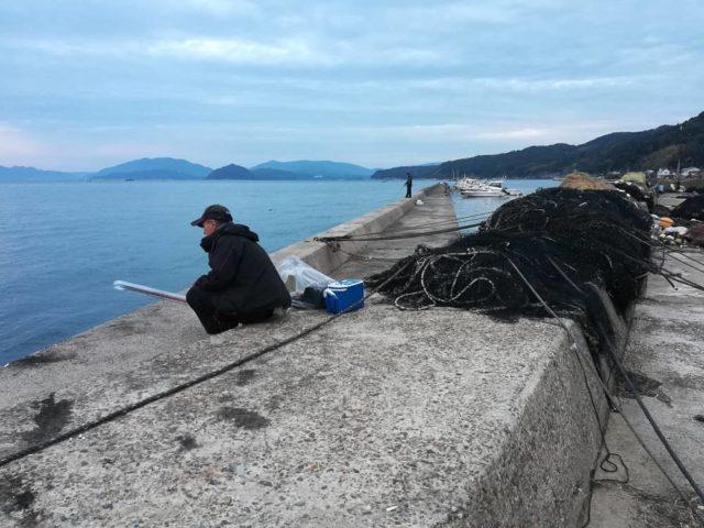 養老漁港の波止南向き