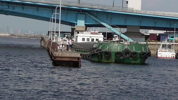 桟橋についた船