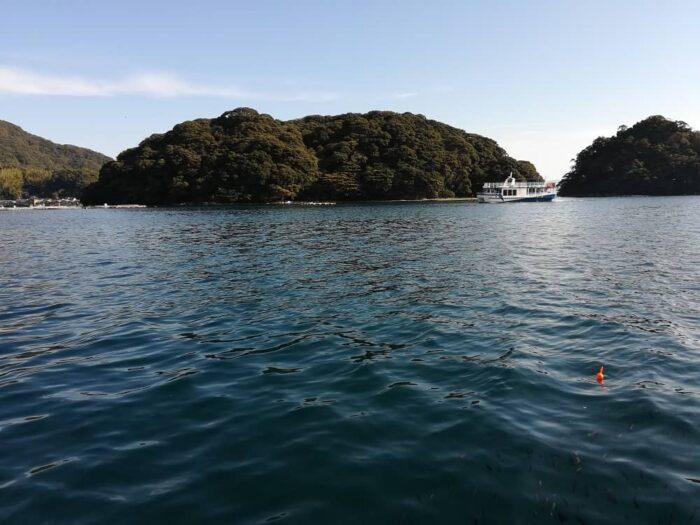 対岸の舟屋を眺めながら投げサビキ