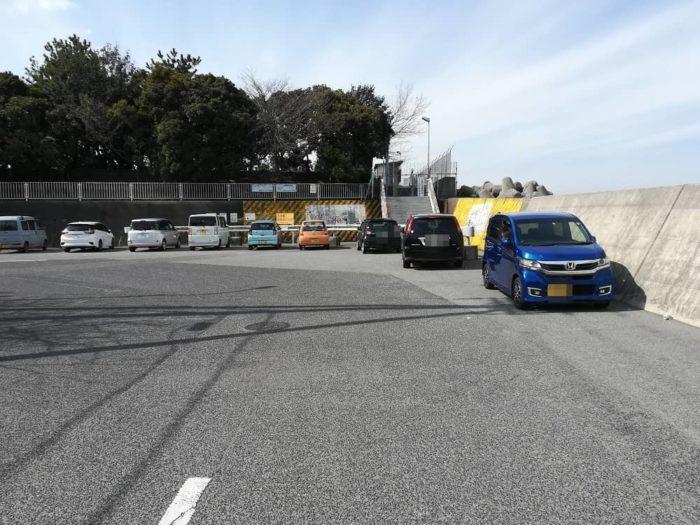 忠岡高場前の駐車スペース
