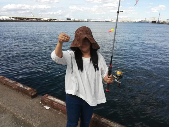 奥方様もサヨリ釣りに参戦