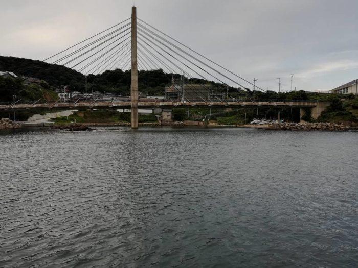 間人漁港波止から見る間人港大橋