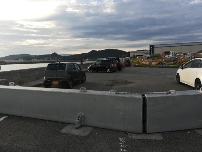 鉄鋼団地の門前の駐車ポイント