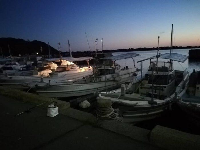 淡路島の由良漁港に到着