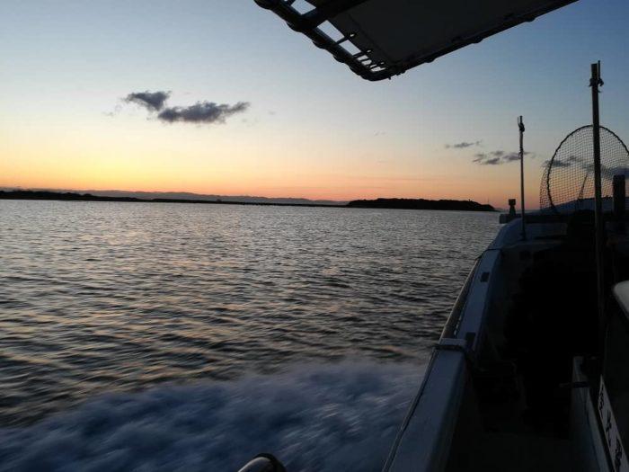 午前7時に由良漁港から出港