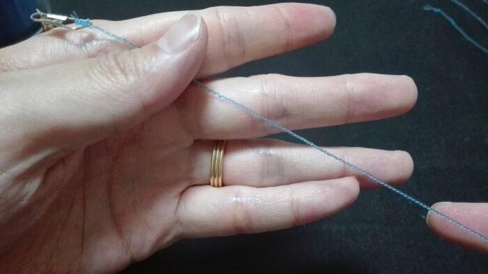 指とドライバで作った砂ズリ(密な2本ヨリ)
