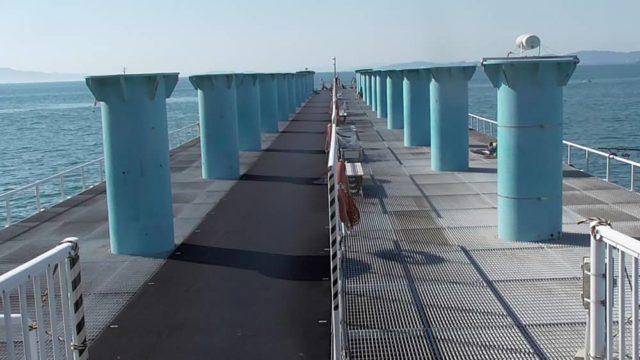 桟橋への渡し口