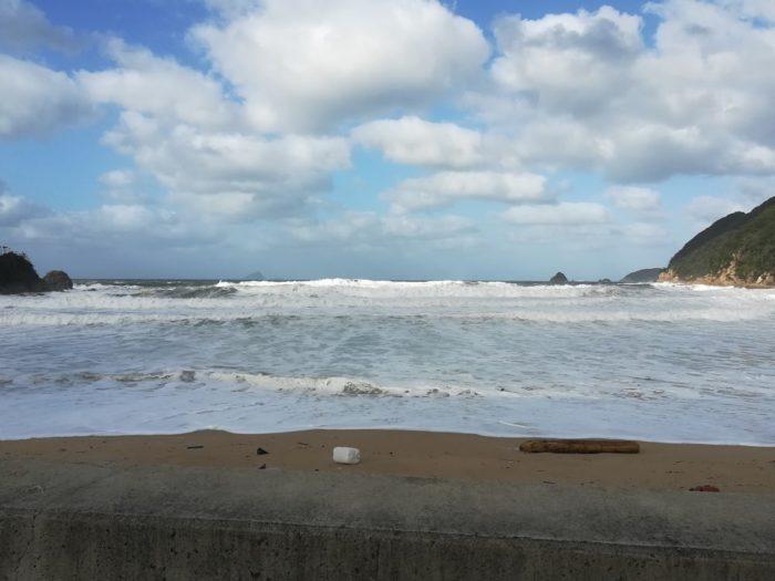 台風通過後の小橋海岸